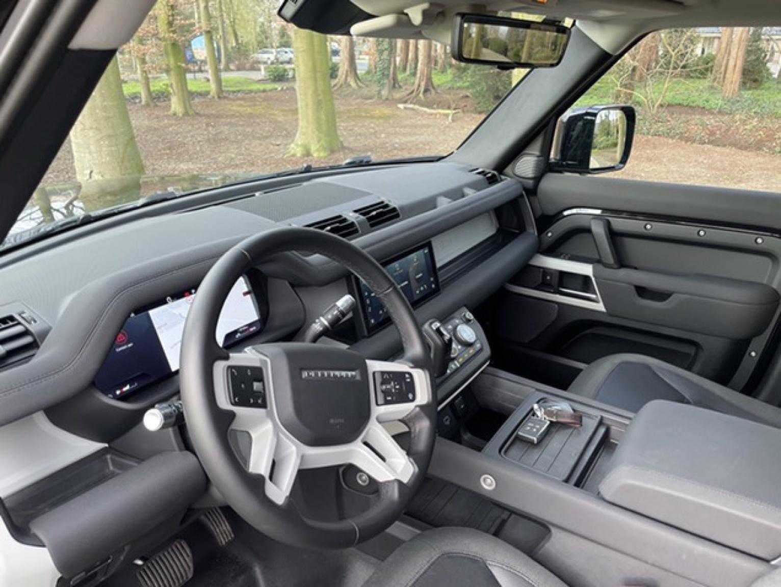 Land Rover-Defender-24