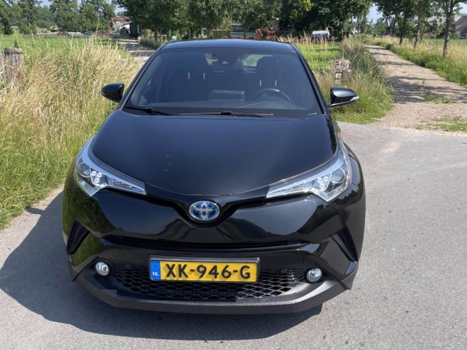 Toyota-C-HR-2