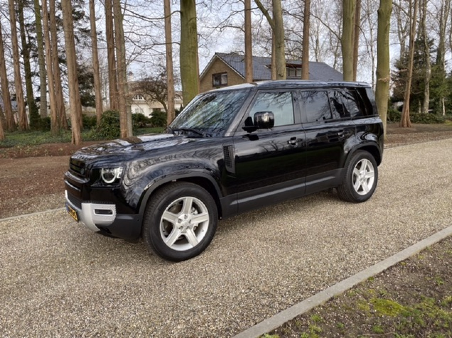 Land Rover-Defender-12