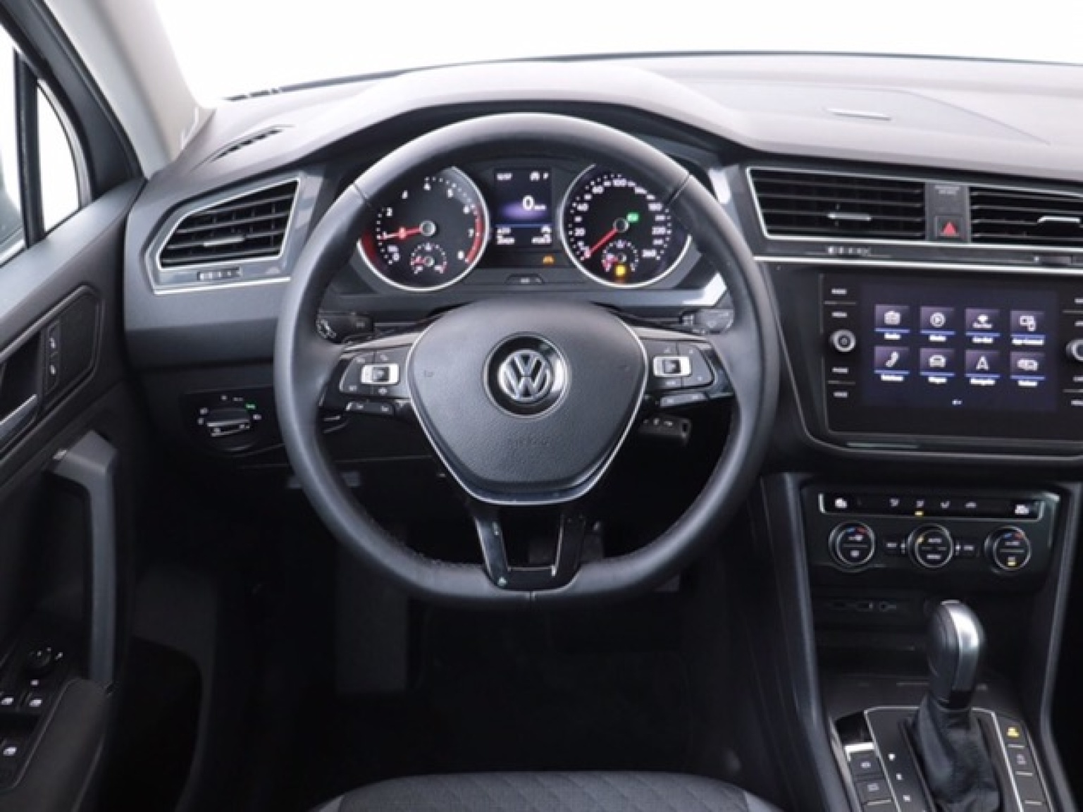 Volkswagen-Tiguan-8
