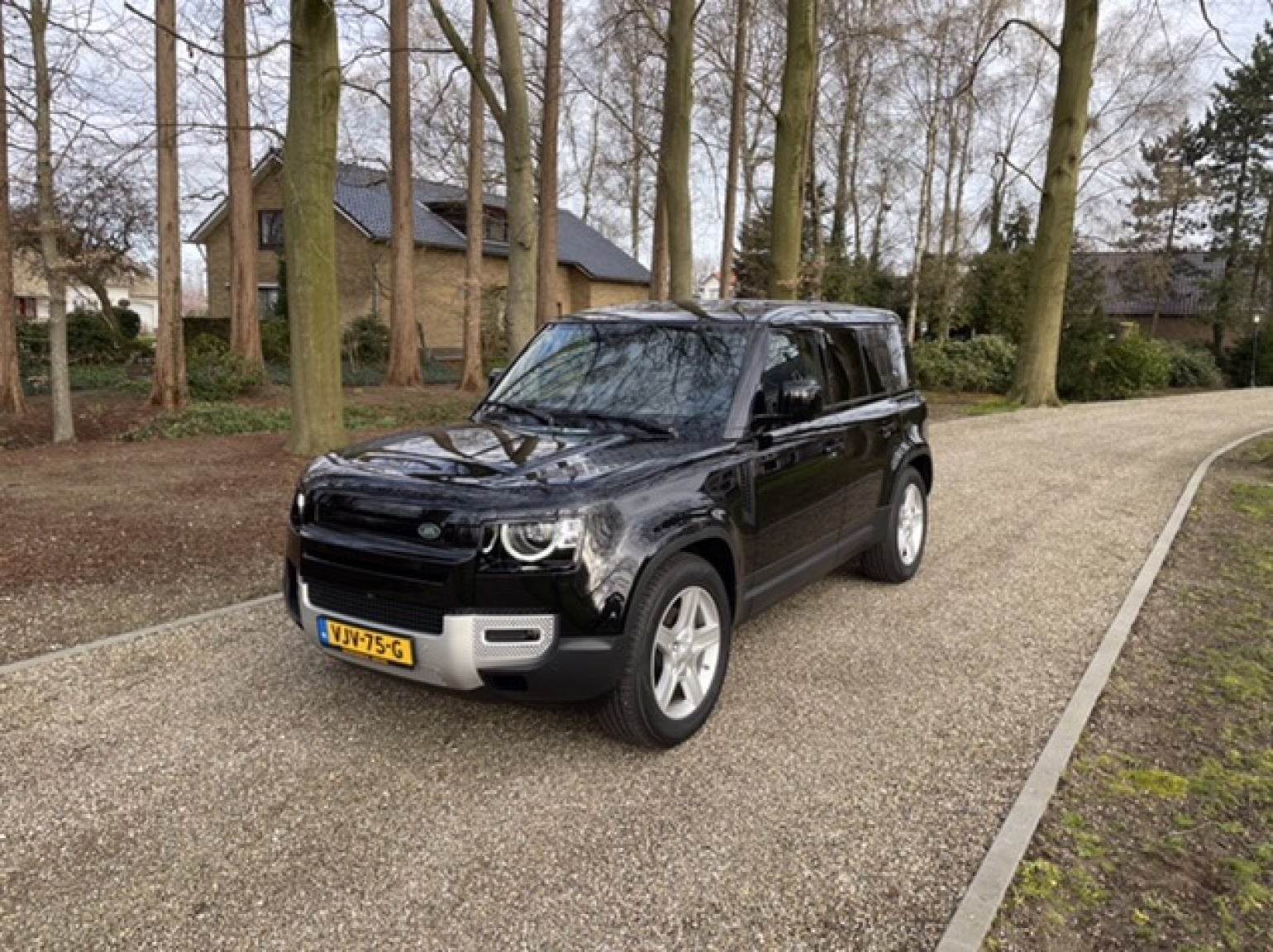 Land Rover-Defender-13
